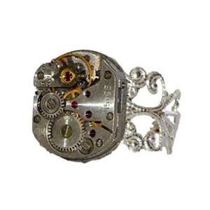 anillo de engranajes de plata hecho a mano